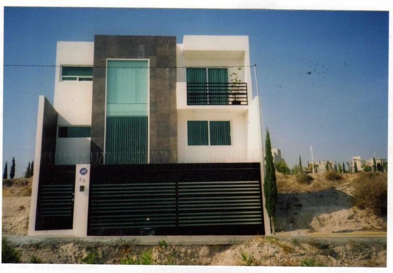 Pin bardas cochera estilo minimalista mitula casas for Residencias estilo minimalista
