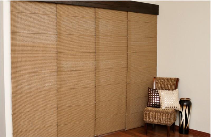 Persianas estilo panel ofrecen una soluci n simple con - Puertas de persiana ...