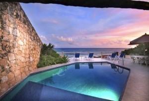 casa-la-roca-pool.jpg